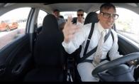 Uberio vairuotojas nustebina keleivius savo talentu