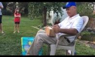 66 metų vyras pamato spalvas pirmą kartą gyvenime
