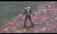Žmogus, skraidantis ant drono Portugalijos futbolo lygos finale