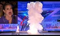 Chemijos pamokėlė talentų šou metu