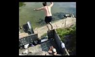 Savižudiškas šuolis ant vandens čiuožyklės