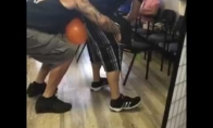 Kai balionų sprogdinimo žaidimą žaidžia vyrai