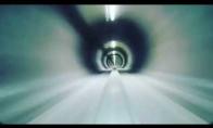 Kaip atrodo 320km/h greitis tunelyje