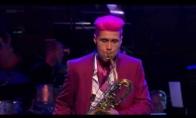 Kietas baritono saksofono atliėkjas
