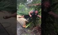 Uraganas vos nenuneša vyro