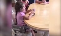 Tėvas sužino, kad turės 5 dukrą