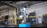 Robotas - akrobatas