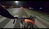 Kai bandai apiplėšti piktą dviratininką