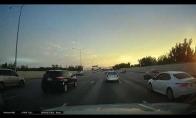 Neįtikėtini piruetai greitkelyje