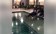 Slidinėjimas ant baseino