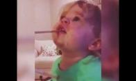 Mergaitė pirmą kartą pabando wasabio