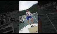 Kieto bičo pasirodymas laive