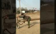 Motociklas iš rąsto
