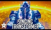 Britų talentų šou pasirodė dainuojantis transformeris
