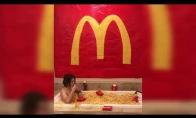 Mcdonaldo bulvyčių vonia