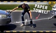 Ar įmanoma patempti automobilį naudojant popierinius rankšluosčius vietoj virvės?