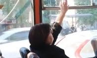 Ginčas dėl lango autobuse