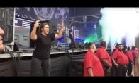 Gestų kalba metalo koncerte