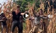 Šokis su Ugando vaikais