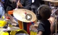 Mažasis būgnininkas groja kaip profas