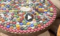 Stalas iš butelių kamštelių