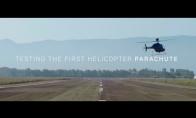 Pirmasis sraigtasparnis su parašiutu