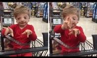 """Dienos pozityvas: Berniukas išmoko pasakyti """"Myliu tave"""""""